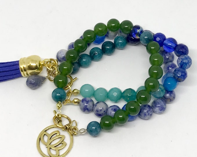 Featured listing image: Blue Beaded Bracelet with Stone Charm