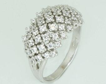 White gold ring K14