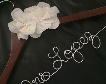 wedding dress hanger, name hanger, bridal hanger with flower
