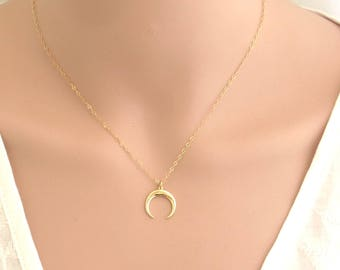 Gold moon necklace, moon pendant, dainty moon necklace , celestial necklace, Crescent Moon necklace