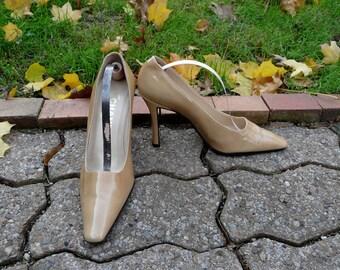 Authentic Vintage CHANEL classic beige nude CC logo heels sz 36