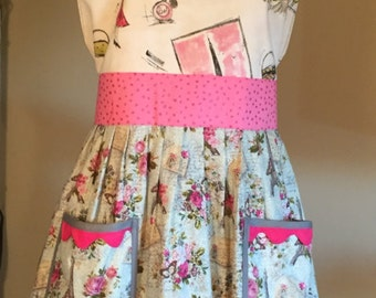 Sweetheart Apron in Paris Print With 3 Ruffles