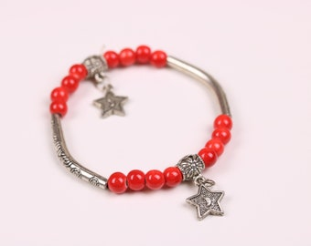 Red porcelain beaded bracelet