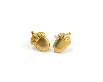 Autumn Jewelry, Acorn Earrings, Woodland Jewelry, Brass Stud Earrings, Acorn Jewelry, Nature Earrings, Sterling Silver Hypoallergenic Studs