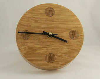 Contemporary desk/shelf clock.