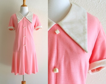 60s/70s Pink and White Drop Waist Dress With Square Buttons and Pointed Collar Size Small/Medium