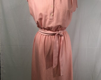 Vintage Peach Forever Young Knit Belted Shift Dress (Sm)