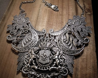 Harry Potter ♰Poudlard♰ Silver Crest lace bib necklace