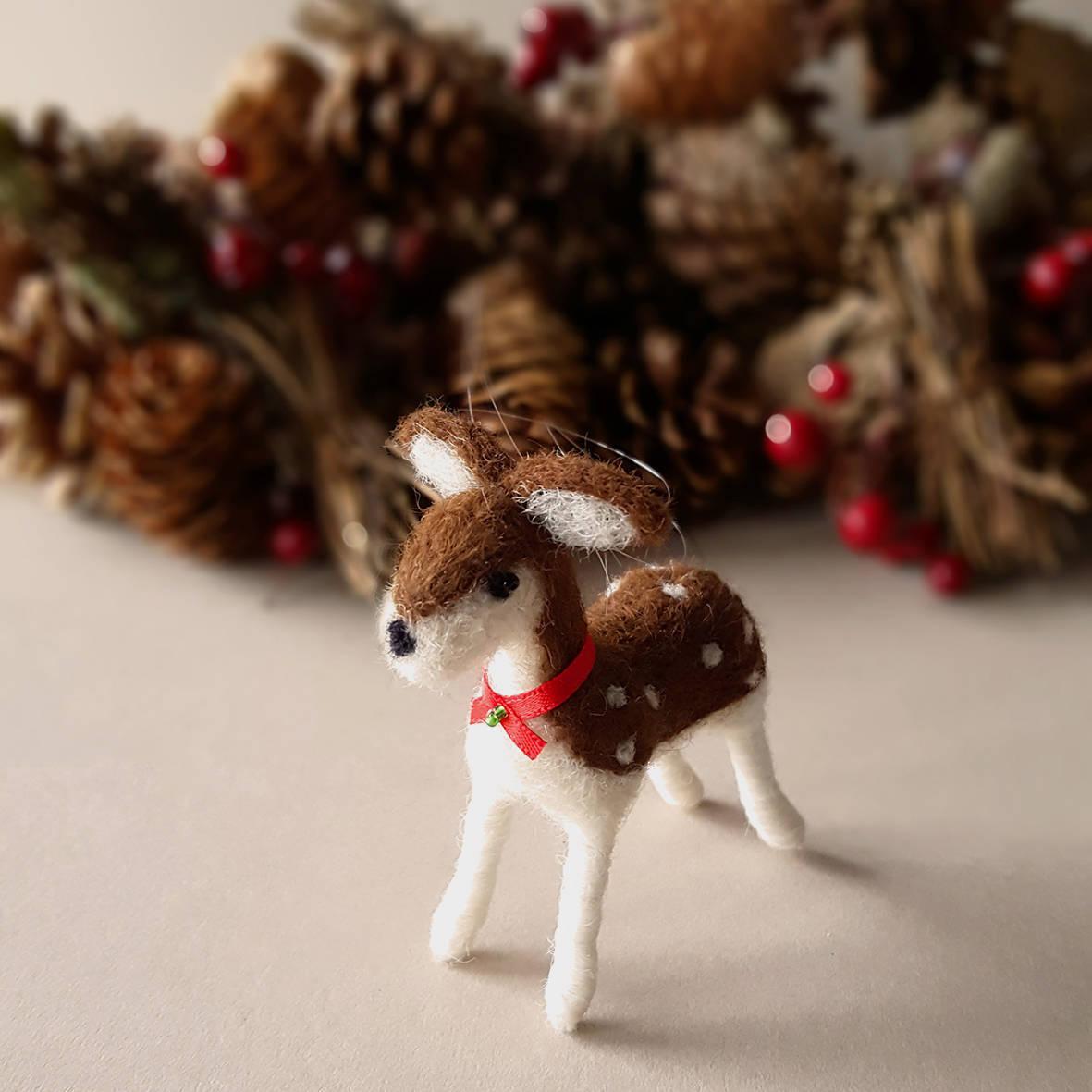 needle felted deer autumn decor, deer figurine farmhouse decor, woodland housewarming gift, woodland baby shower gift, brown and white deer