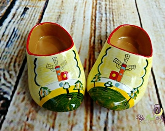 "Doll Dutch Holland Shoes, Faux Wooden Shoes -- Fit Popular Brands of 18"" Girl Dolls"