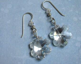 Crystal Snowflake Earrings, Holiday Earrings, Swarovski Earrings, Christmas Earrings, Snowflake Earrings, Dangle Earrings, Winter Earrings
