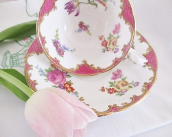 VINTAGE AYNSLEY TEACUP and saucer set, pink floral wide top teacup, summer tea parties or luncheons or high teas, excellent condition