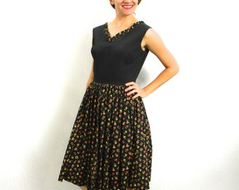 50s Black Cotton Summer Dress | Floral Print Day Dress | Rockabilly | Medium
