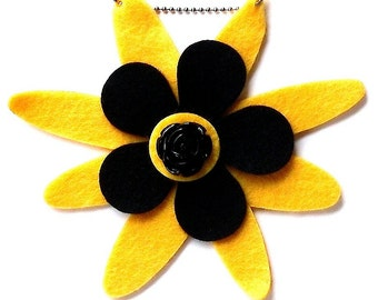 Miranda (Funky Felt Flowers Necklace)