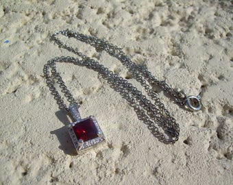 "Gorgeous Vintage Ruby Red July Birthstone 18"" Necklace"