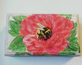 Trinket box, bumble bee, inset,flower,rustic