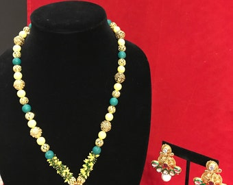 Geeen and yellow necklace set