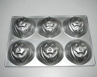 Vtg Cake pan Pumpkin Jack o Lantern Halloween small Jello Mold 6 Vintage Wilton