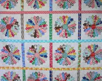 Queen Size Quilt - 96 x 96 - Dresden Plate Quilt - Vintage 30s Look - Reproduction Feedsack and Novelty Prints - Vintage Look