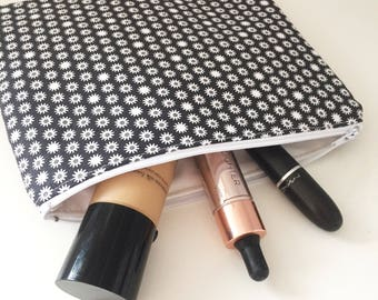 Black daisy cosmetic bag
