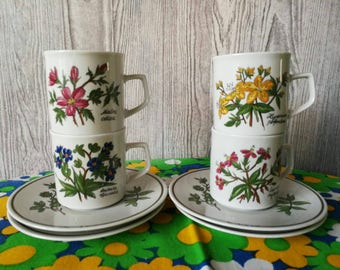 4 cups and saucers wildflowers