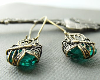 Butterfly Earrings, Green Glass Earrings, Butterfly Filigree Dangle Earrings, Insect Jewelry, Butterfly Wing, Brass Butterfly Earrings