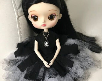 FREE US Shipping Cameo Necklace for Blythe Pullip Doll