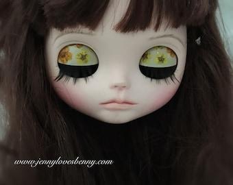 Dry pressed flowers Custom Blythe Eye Lids / Lid Art + eye lashes + matching pull charms