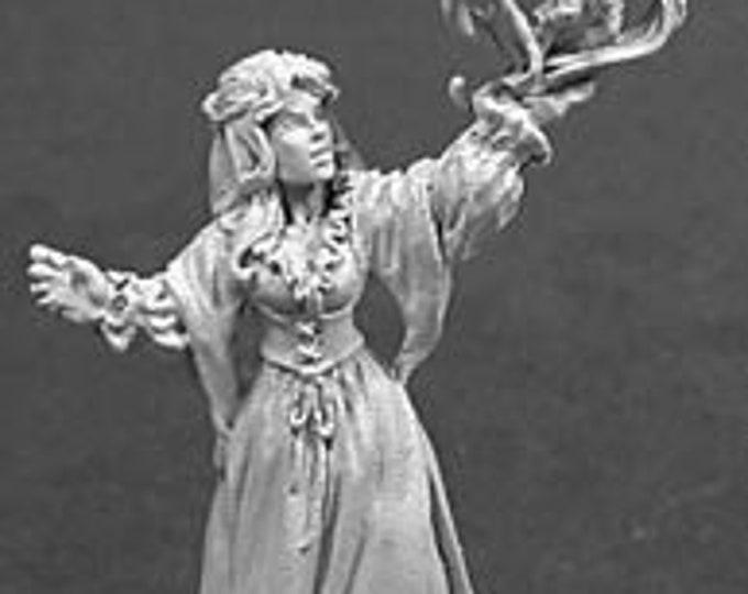 Tristan Loremistress - 02050 - Reaper Miniatures