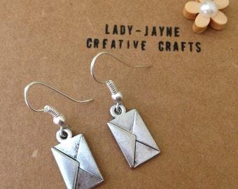 Silver-plated dangle letter earrings. Postwomen. Harry potter earrings. Lover letter. Fancy dress. Novelty gift