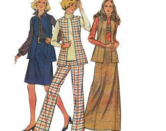 """1970's McCall's 3321 Woman's Vest, Skirt, Pants Size 12    Bust 34""""/ 86cm    Vintage Sewing Pattern UNCUT"""