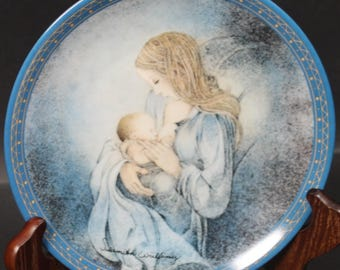 Bradford Exchange Plate by the Artisit Sulamith Wulfing.  'The Circle'.  (CGP-8015)