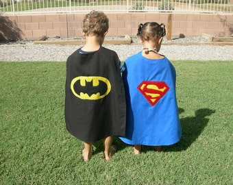 Reversible Kids Superhero Cape { Batman / Superman } Super Hero Party { Birthday Cape } Kids Cosplay
