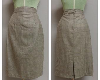 "Vintage 1940's light wool ""prince de galles "" woman skirt   Medium"