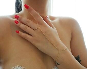 14k Gold Bar Chain Dainty Hand Piece