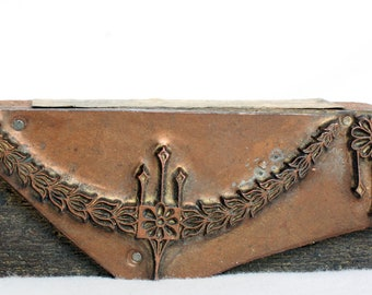 NEOCLASSICAL Garland 1903-1953 Antique GERMAN Copper Letterpress Cut printing block Laurel