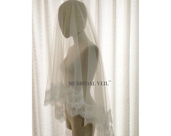 Chantilly Lace Veil, Cathedral Veil, Eyelash Lace Veil, Veil with Blusher, Drop Veil, Mi Bridal Veil