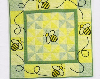 The Queen Bee, Wall Hanging, Bees, DIY Quilt Pattern