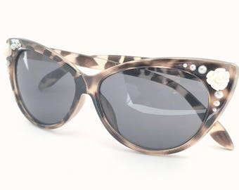 Embellished Retro Cat Eye Style Sunglasses Tortoise Shell with White Rose Flowers and Faux Pearls