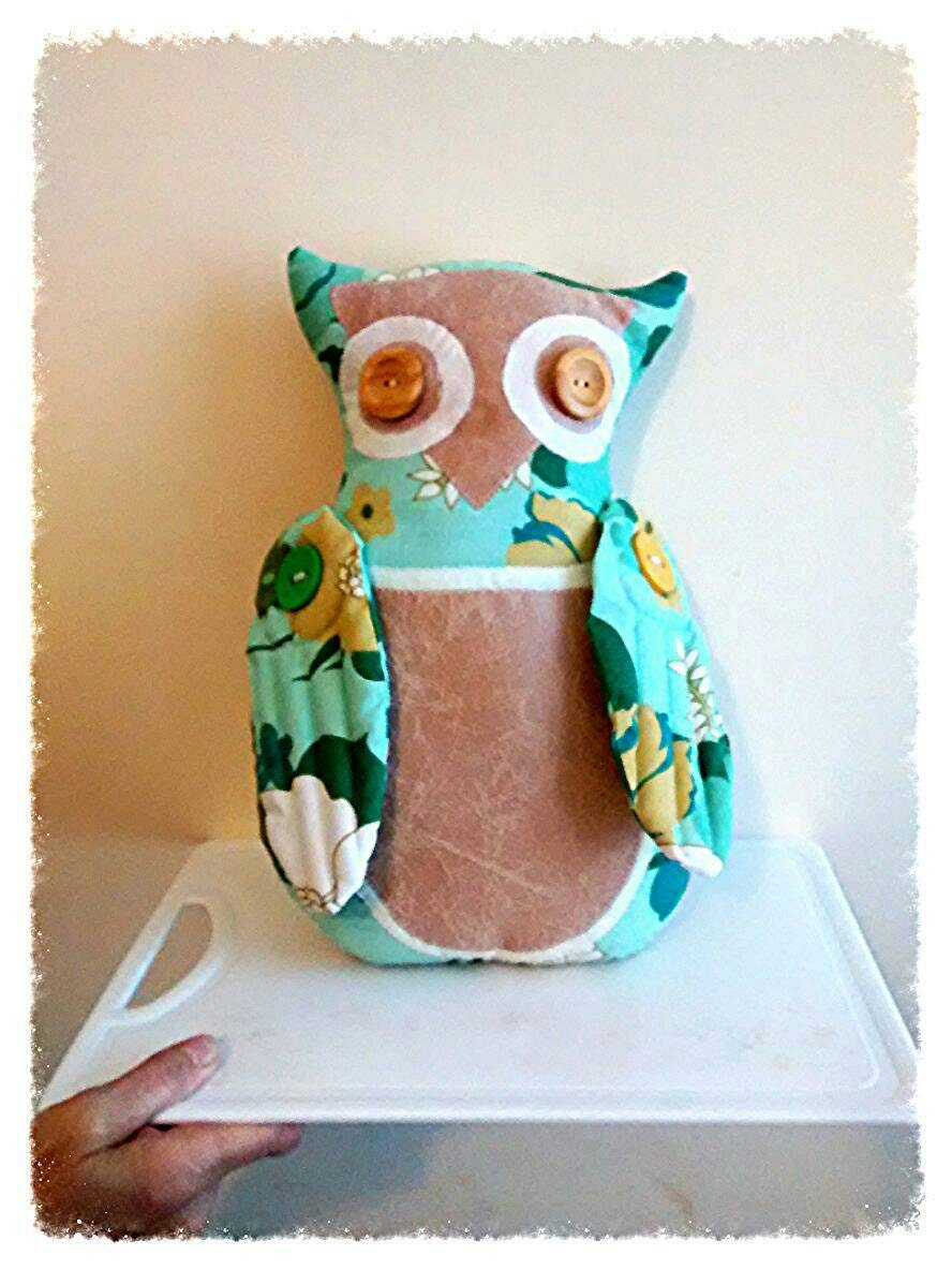 Owl character in fabric Kitsch