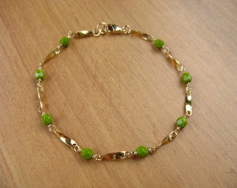 Light Olive Green Beaded Chain Bracelet, Gold Bracelet, Delicate Bracelet, Layering Bracelet