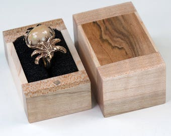 Big Ring Box, Wooden Ring Box, Spalted Maple Wood, Wavy Maple Wood, Cherry Wood Ring Box
