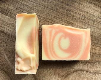 Energy soap - citrus soap, pineapple, orange, yellow, orange, swirled, vegan, sunny, summer, handmade, handcrafted, artisan, vegetarian