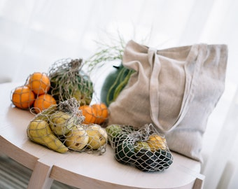 A set of reusable linen bags for eco-friendly shopping. Linen produce bags, mesh fruit bags, linen tote bag, minimalist bag.