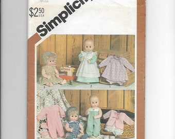 """UNCUT Sewing Pattern Simplicity 5615 for Wardrobe for Medium Size (15""""-16"""") Doll"""