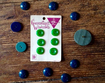 1950's to early 1960's Vintage Green Button Lot. Le Chic. Loose and carded. B. Blumenthal and Company