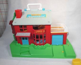 Vintage Fisher Price-1989-Little People Neighborhood-Number 2551-Complete