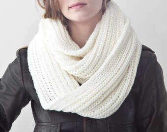 White warm winter scarf, White Long Scarf, White Infinity Scarf, Collar Scarf, Christmas Gifts, Winter Scarves, Gift for Her, Mens scarf