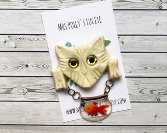 Cat and Fish Bowl Dangle Pin Brooch - Cream White - Fakelite - Vintage inspired