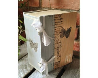 """""""Butterfly"""" book box"""
